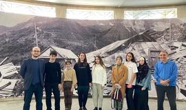 Ученики Дома Знаний на выставке в Музее истории города Махачкалы